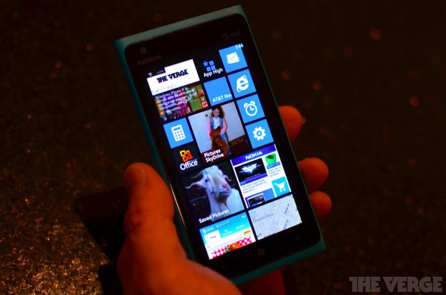 Nokia Lumia 800 c Windows Phone 7.8