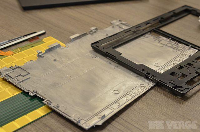 Часть корпуса Surface, изготовленная по технологии Vapor MG.