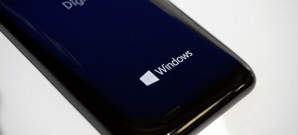 Windows-10-Mobile-event-is-held-in-Japan (4)