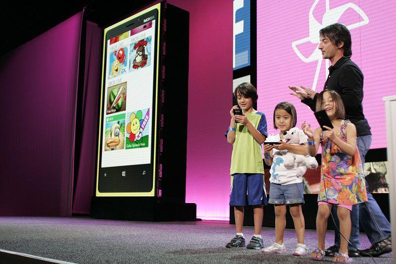 Microsoft удалит «Детскую» из Windows 10 Mobile