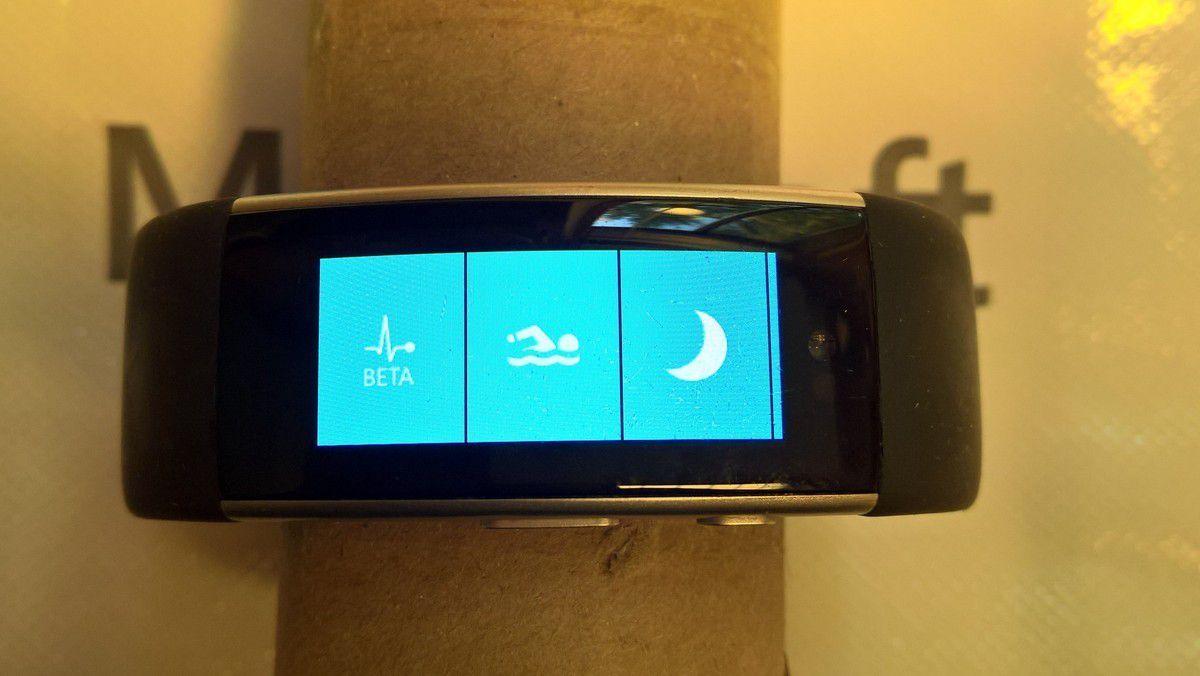 Появились фотографии прототипа Microsoft Band