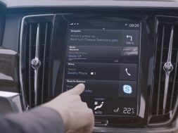 Skype for Business in car app