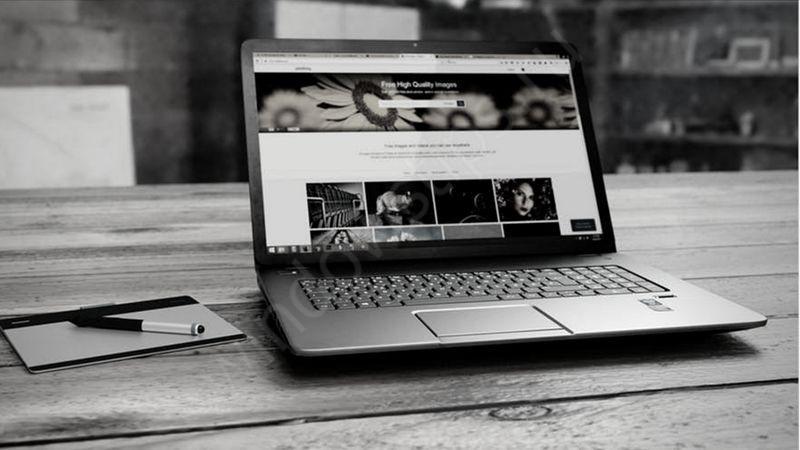 Черно-белый экран в Виндовс 10